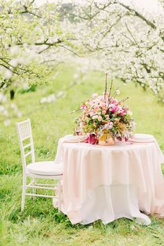 Orchard Romance Shoot : Made From Scratch Rosa Pink, Al Fresco Dining, Spring Has Sprung, Outdoor Dining, Spring Time, Pink And Green, Floral Arrangements, Romance, Photos