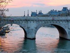 Le Pont Neuf, Paris.