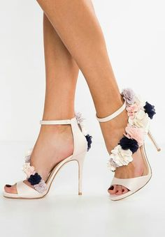 Gorgeous Heels, Heeled Sandals, Vince Camuto, Gorgeous Women, Vanilla, High  Heels, Beige, Taupe, Beautiful Women. Discover Fashion Online