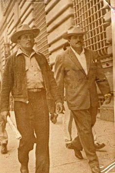 Ziquítaro. José y Adrián Campos Serrato. Album familiar