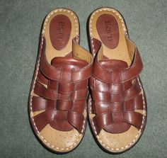 Women's Brown BORN Weave Pattern Slip On Slides Sandals Shoes, Size 8M, GUC #BORN #SlipOnSlidesWeavePatternSandalsShoes #Casual