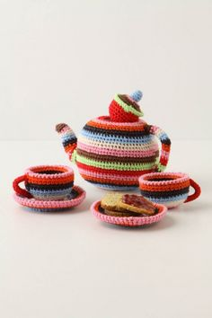 Crochet Toy Tea Set - My neice is DEFINITELY gonna have one of these when she gets old enough!