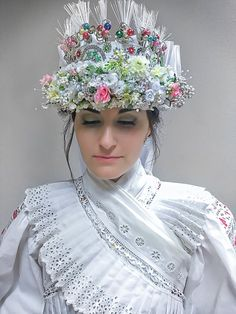 Slovak bride, Detva Folk Clothing, Heart Of Europe, Tribal Dress, Folk Embroidery, Wedding Costumes, Exotic Beauties, Brain Activities, Vintage Couture, Folk Costume