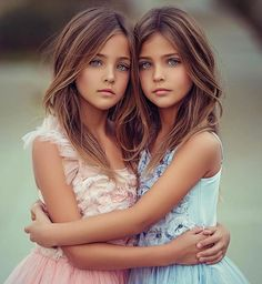 Ava Marie and Leah Rose Clements ❤️ Beautiful Little Girls, Beautiful Girl Image, Beautiful Children, Beautiful People, Cute Twins, Cute Girls, Cute Babies, Little Girl Models, Child Models