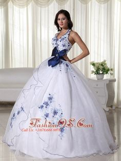 Buy halter top appliqued white dress for sweet 16 with blue bow from perfect quinceanera dresses collection, halter top neckline ball gowns in white color,cheap floor length organza dress with zipper back and for sweet 16 quinceanera . Dama Dresses, Quince Dresses, Ball Gown Dresses, Prom Dresses, Wedding Dresses, Dresses 2013, Halter Dresses, White Quinceanera Dresses, Robes Quinceanera
