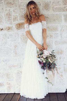 Brautkleid 'Josee' von Grace Loves Laces, über etsy.com