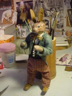 A very dressy rabbit, another ornament, just finished.  (decamp)