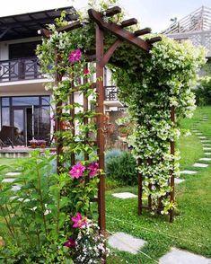 Front Yard Landscaping Ideas on a Budget - Die Kombination aus erlesenen Pflanzen Front Garden Landscape, Garden Arches, Landscape Design, Backyard Patio Designs, Front Yard Landscaping, Landscaping Ideas, Backyard Barn, Rustic Gardens, Outdoor Gardens