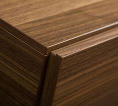 Korupusmöbel nach Maß: Grifflösung Grifffalz Wood Veneer, Real Wood, Furniture Design, Design Ideas, Storage, Purse Storage, Store, Plywood, Storage Room