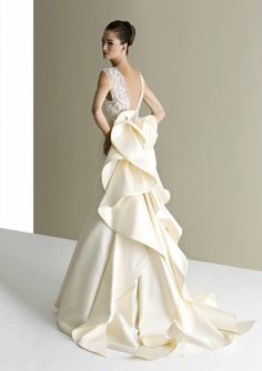 Bold, Creative and Modern Antonio Riva Wedding Dresses: http://www.modwedding.com/2014/10/16/bold-creative-modern-antonio-riva-wedding-dresses/ #wedding #weddings #weddings_dress