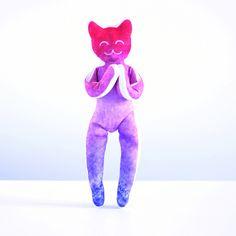 YogaCatIndia est en vente sur yogitoy.com et etsy.com/fr/shop/YogiToy (25€).