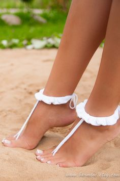 Crochet barefoot sandal, Barefoot sandals, Ruffle barefoot sandals, Beach wedding shoes, Footless sandals, Bridal barefoot sandals, Anklet by BarmineClub on Etsy https://www.etsy.com/uk/listing/219262364/crochet-barefoot-sandal-barefoot-sandals