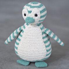 Crochet Penguin, Crochet Art, Crochet For Kids, Crochet Animals, Crochet Toys, Free Crochet, Baby Knitting Patterns, Crochet Patterns, Tag Blanket