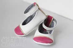 Natty Janes- an adorable shoe pattern by Delia Creates!