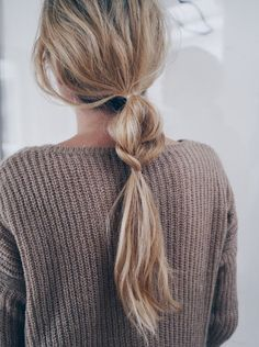 loveee this easy ponytail - perfect for those lazy mornings.