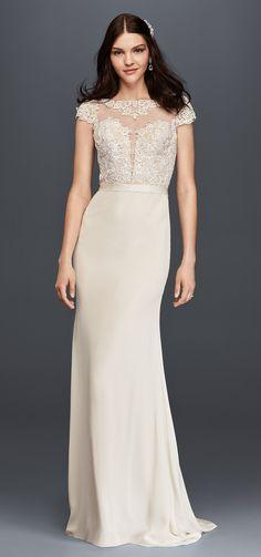 Cap Sleeve Crepe Wedding Dress with Plunge Bodice | David's Bridal Spring 2017 @davidsbridal #davidsbridal #galinasignature #ad #wedding #bridal #weddingdress