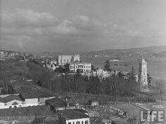 1940- Dolmabahçe Sarayı ve İstanbul Boğazı Istanbul Turkey