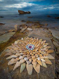 Land Art Deutch | Creations in Nature Land Art, Art Plage, Art Environnemental, Art Et Nature, Art Rupestre, Art Pierre, Ephemeral Art, Rock Sculpture, Environmental Art