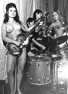 the hummingbirds topless all girl band