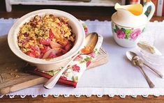 Slimming World's pear and rhubarb crumble recipe | GoodtoKnow