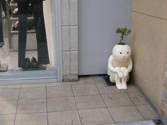 Sad Bonsai Pot Feels Forever Alone Sculptures Céramiques, Sculpture Art, Ceramic Pottery, Ceramic Art, Potted Plants, Indoor Plants, Images Aléatoires, Deco Cool, Pot Jardin