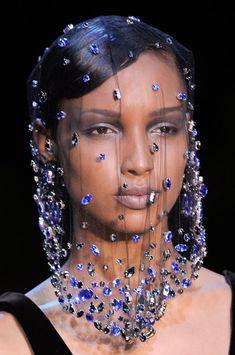 "modelopolis: "" Jasmine Tookes for Armani Prive Haute Couture Fashion Show Paris (Fall/Winter "" Runway Fashion, High Fashion, Fashion Show, Fashion Looks, Fashion Design, London Fashion, Armani Prive, Dibujos Cute, Fashion Mask"