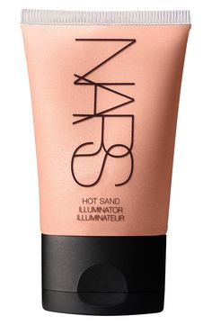 Obsessing over this illuminator that magically transforms the skin by highlighting and creating a sun kissed glow.