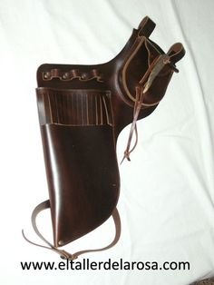 Moda Medieval, Archery Equipment, Traditional Archery, Quiver, Bow Hunting, Leather Working, Weapons Guns, Archery, Fur Accessories