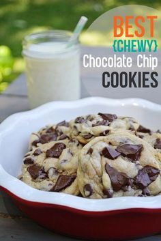 Best Chewy Chocolate Chip Cookie Recipe: this is seriously the BEST recipe that I have ever tried. These cookies are super super soft and chewy and this post is full of great TIPS to create the ultimate chocolate chip cookies!