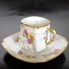 #本日のカップ #デミタス #デミタスカップ#demitasse #antiqueporcelain #antiquecupsaucer #demitassecollection #cupandsaucer #quatrefoil #limoges  love this unusual shape cup!