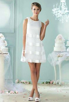 32 Vestidos de Novia Cortos y Fabulosos para tu Boda Civil o No Short wedding dresses for the civilian or for a second marriage. The online cut A is super flattering and the transparency on a more tight dress gives it an air of the & # but super modern. Mon Cheri Wedding Dresses, Mon Cheri Bridal, Bridal Dresses, Wedding Gowns, Prom Dresses, Wedding Dressses, Reception Dresses, Bridesmaid Dresses, Lace Weddings