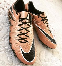 Liquid Chrome Hypervenom Phinish! Credits to @ilkan11_54 Make sure to follow my… Soccer Gear, Soccer Stuff, Soccer Boots, Soccer Equipment, Play Soccer, Nike Soccer, Soccer Ball, Adidas Football, Football Shoes