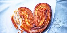 Mini Desserts, Philo Dough, Kouign Amann, Organic Wine, Ratatouille, Bacon, Deserts, Breakfast, Ethnic Recipes
