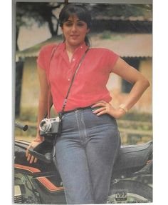 Throw back photo of Hemamalini ji Most Beautiful Bollywood Actress, Indian Bollywood Actress, Bollywood Girls, Bollywood Stars, Indian Actresses, Bollywood Masala, Prince Girl, Myanmar Women, Bollywood Pictures
