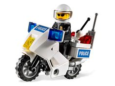 Patrol the streets of LEGO® City!