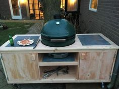 Large Green Egg, Big Green Egg Grill, Bbq Pitmasters, Kamado Grill, Kamado Joe, Custom Bbq Pits, Grill Table, Grills, Gardening