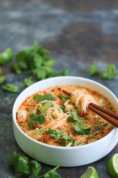 Thai Red Curry Noodle Soup - Yes, you can have Thai takeout right at home! This soup is packed with so much flavor with bites of tender chicken, rice . Pasta Al Curry, Curry Noodles, Rice Noodles, Thai Red Curry Soup, Coconut Curry Soup, Thai Kitchen Red Curry Paste Recipe, Spicy Thai Soup, Red Curry Recipe, Curry Ramen