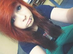 When my bangs grow out a little more I think I might do this ! <3