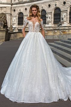 c47f628c2e87d The gorgeous Amanda from European designer Crystal Design has just arrived  in Merlili Bridal Boutique