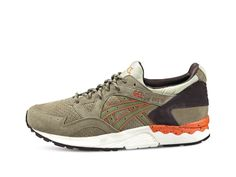 <p>First released in 1993, the GEL-LYTE V is form-fitting and infused with GEL technology. Its lightweight feel and supple flexibility took the market by storm, making it an instant streetwear classic.<br /> <br /> Feel the cushioning of the GEL panels as you switch from campus to concert. Glide them on and off, with a sock-like fit that flexes and stretches when you do. Flash the reflective 'V' on the heel as you dance into the night.<br /> <br /> • Full soft suede upper<br /> • First…