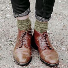 someone in jeans and socks, green, blue, brown, grey Fashion 2020, Girl Fashion, Mens Fashion, Fashion Pants, Fashion Shirts, Fashion Dresses, Grunge, Mode Vintage, Vintage Fall