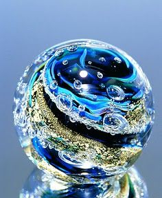 glass marble ~ Not a paperweight, but still a gorgeous glass orb. Blown Glass Art, Art Of Glass, Glass Artwork, Fused Glass, Stained Glass, Sculpture Art, Sculptures, Sculpture Ideas, Glass Marbles