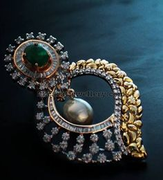 Latest Collection of best Indian Jewellery Designs. Gold Pendent, Emerald Pendant, Emerald Jewelry, Diamond Pendant, Diamond Jewelry, Gold Jewelry, India Jewelry, Bridal Jewelry, Diamond Earrings Indian