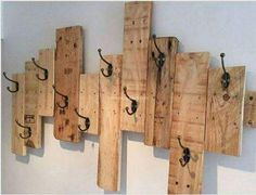 Pallets Court Hanger