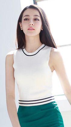 Dilraba Dilmurat (Dili Reba) 迪丽热巴 (Chinese actress of Uyghur descent) Beautiful Asian Women, Beautiful People, Cute Girls, Cool Girl, Asian Celebrities, Chinese Actress, Ulzzang Girl, Asian Fashion, Asian Woman