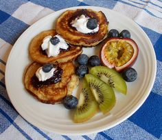 Ovsené lievance Pancakes, French Toast, Treats, Breakfast, Sweet, Food, Sweet Like Candy, Goodies, Meal