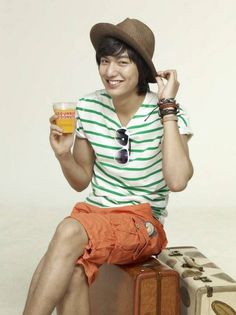 Hey Minoz! How's your weekend so far? Here's your VitaMINHO dose!