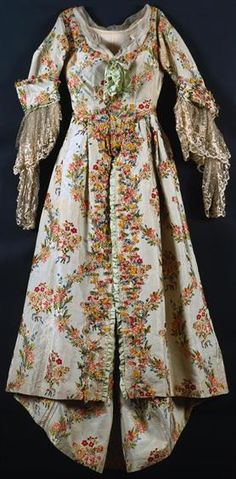 Silk gown, 18th century