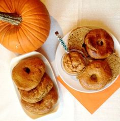 PinLaVie... Make your pins come true – Homemade Pumpkin Bagels This looks good!