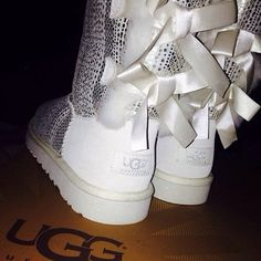 They have abling bling that is so cool and there are #uggs amazing